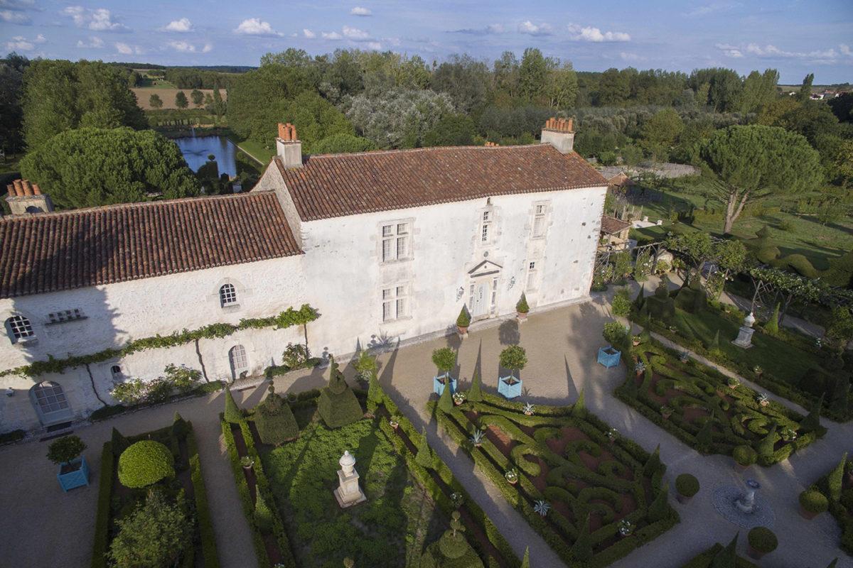 La Cour d'honneur du Jardin du Bâtiment