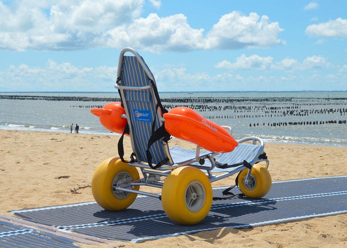Fauteuil tiralo pour une plage accessible pour tous