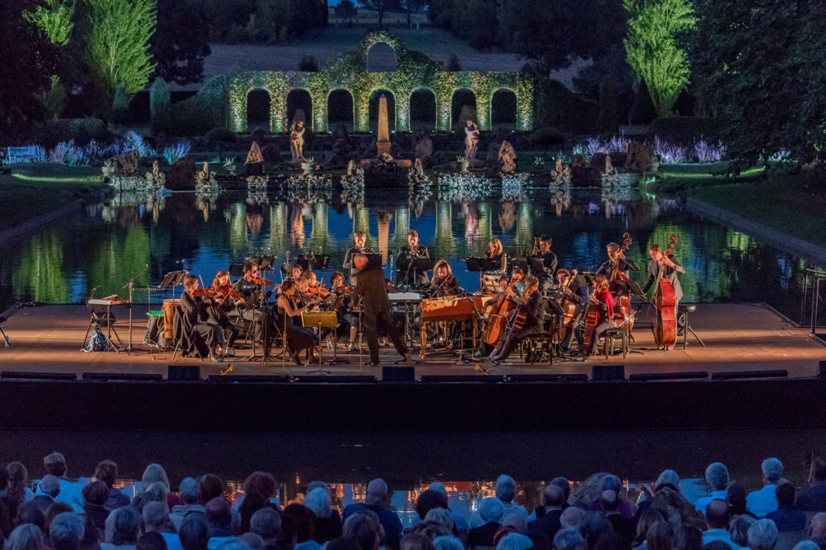 miroir-d-eau-festival-dans-les-jardins-de-william-christie-arts-florissants-musique-baroque-thire-sud-vendee-littoral-©Jay-Qin