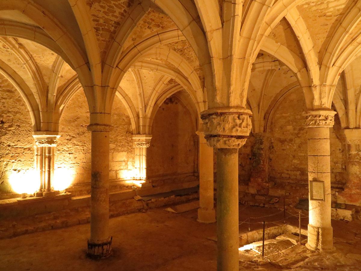 Salle capitulaire de l'Abbaye Royale de Saint-Michel-en-l'Herm
