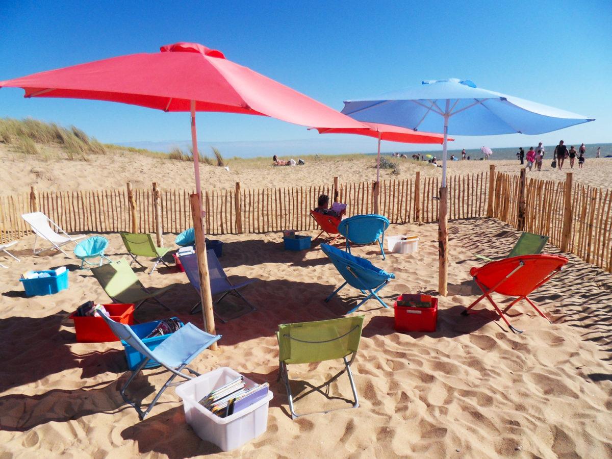 Lecture et farniente à la plage