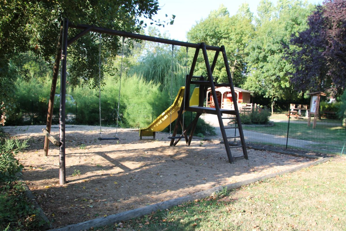 Camping-le-vieux-chene-nalliers-85-hpa (2)